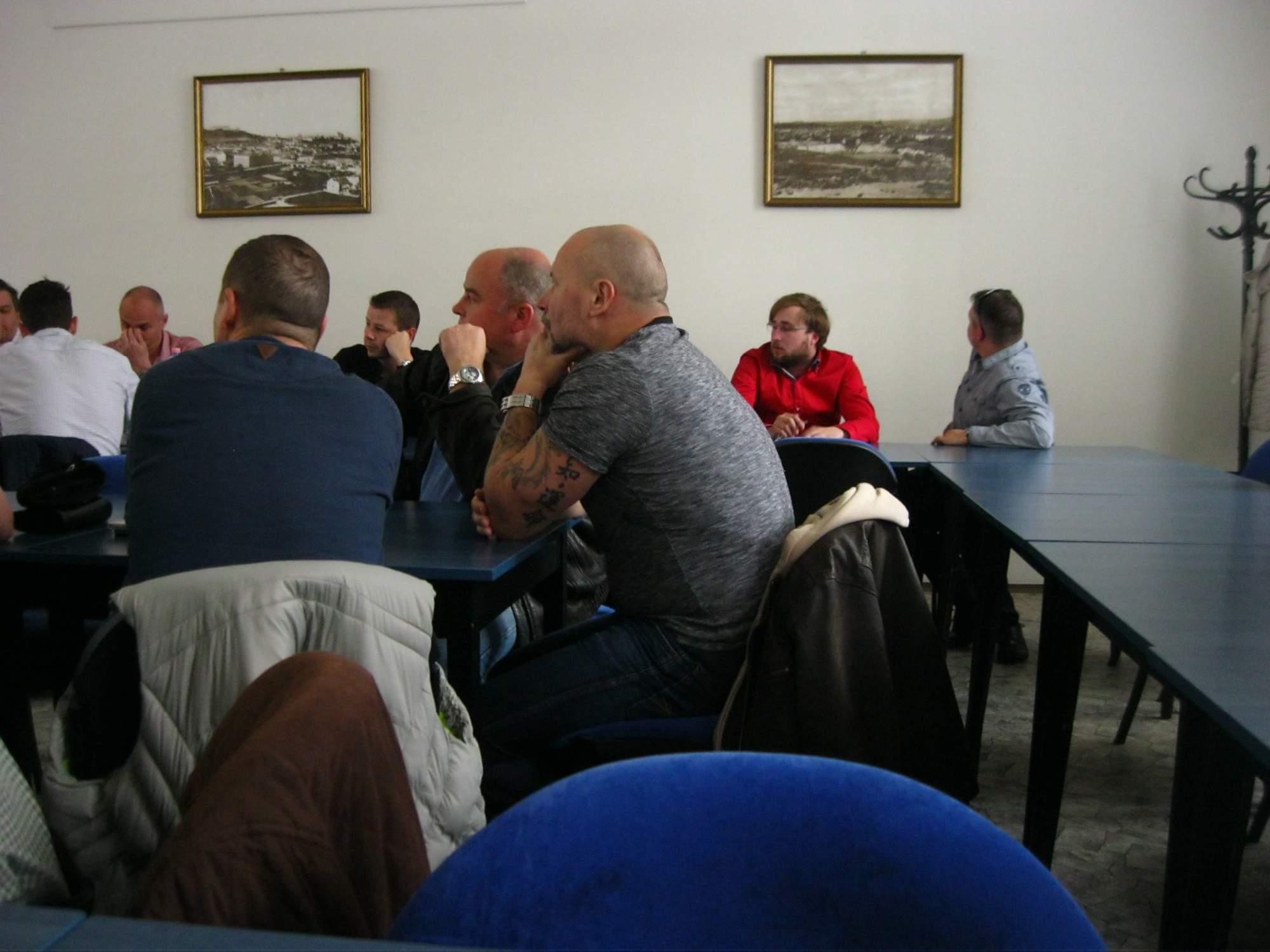 Provozovatelé taxislužeb debatovali na radnici. Foto: Eliška Srncová