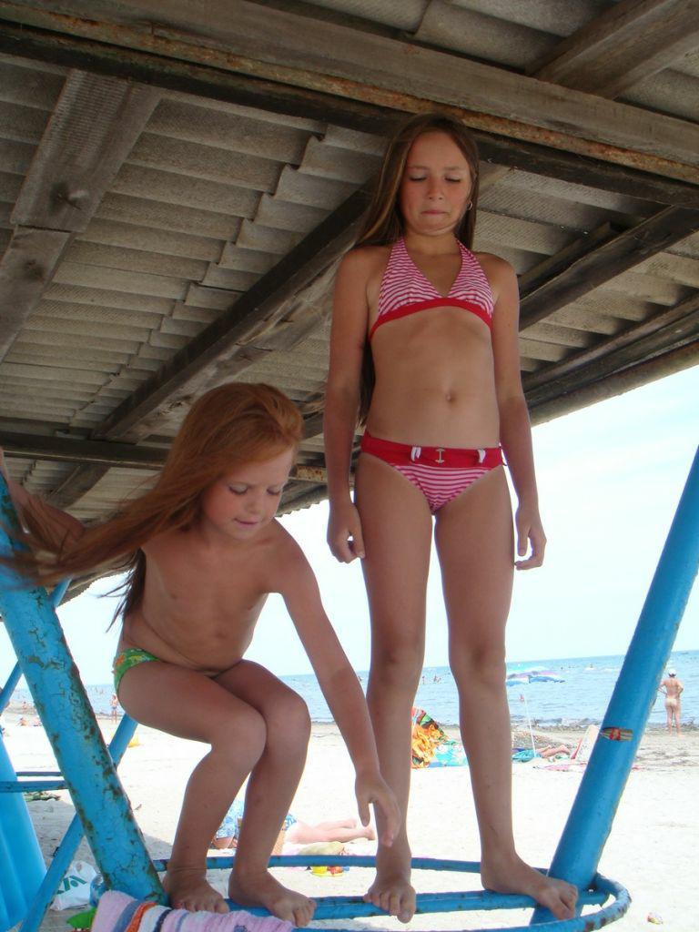 Nude girls shower lesbian