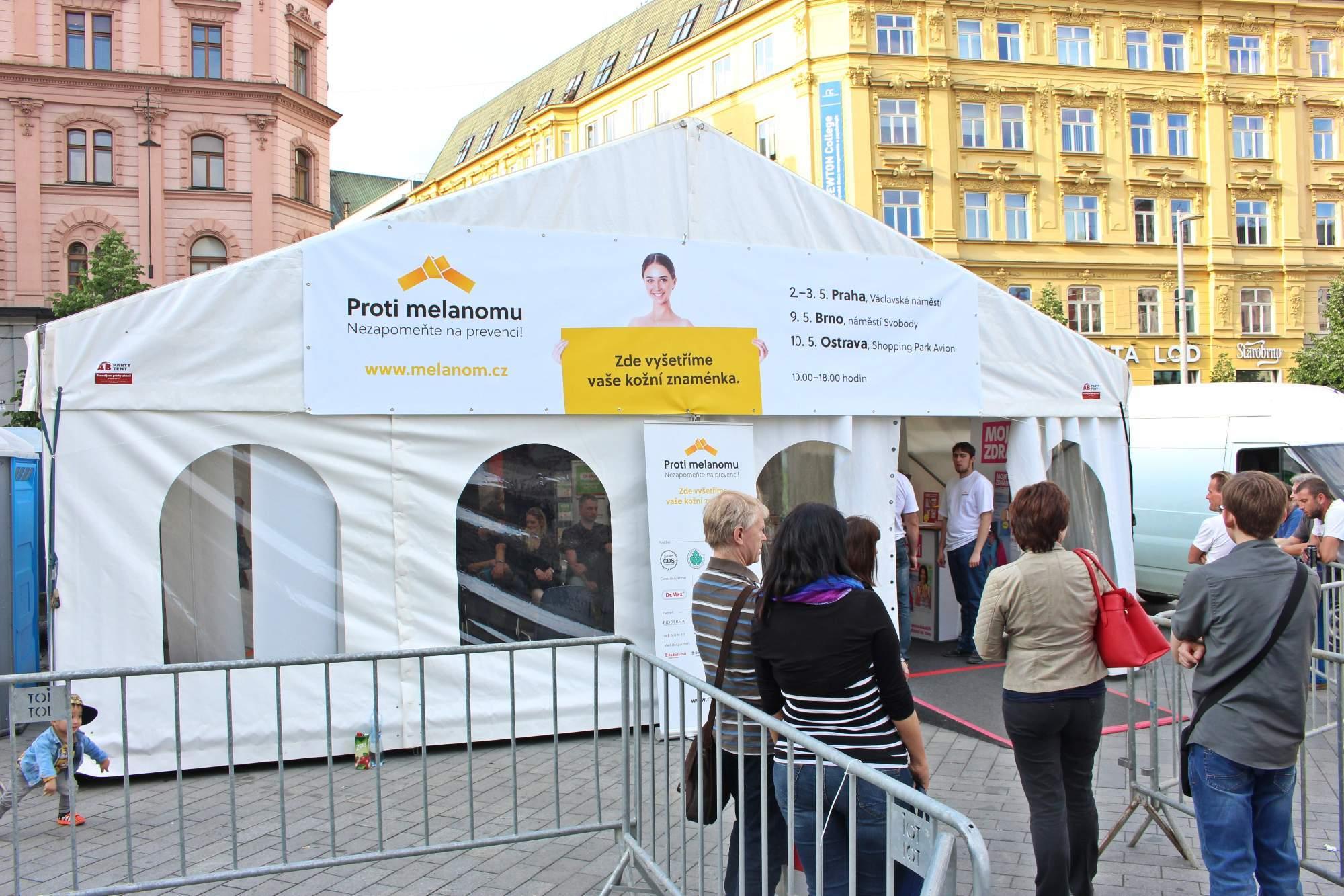 Stan proti melanomu (Foto: Zuzana Pekárková)