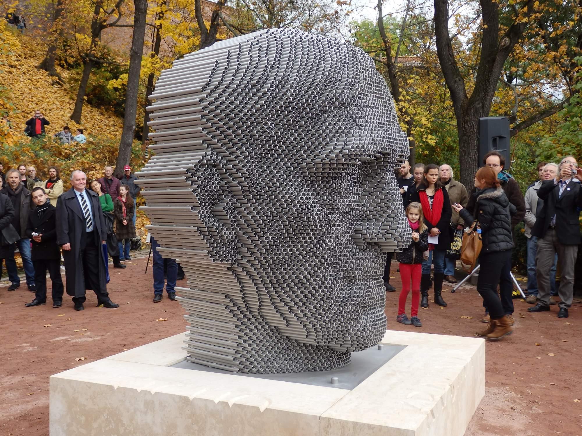 Odhalení sochy Jana Skácela
