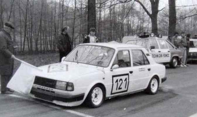 (121) HLUBÍK Ladislav - (soutěžící) Hlubík Ladislav - Škoda 130 L