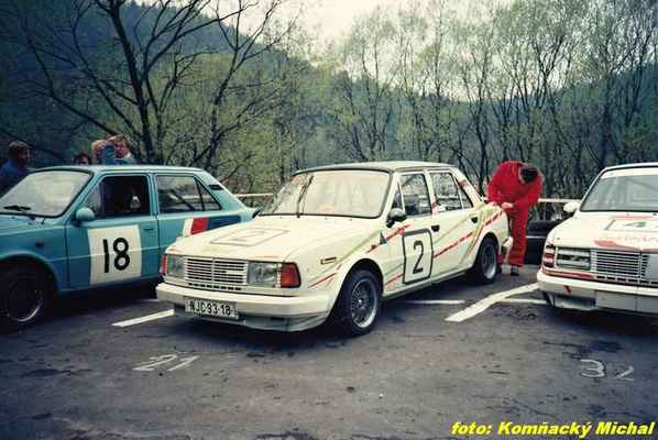 (18) LOUN Ladislav - Škoda 120 LS (2) BITTNER Karel - Škoda 120 LS