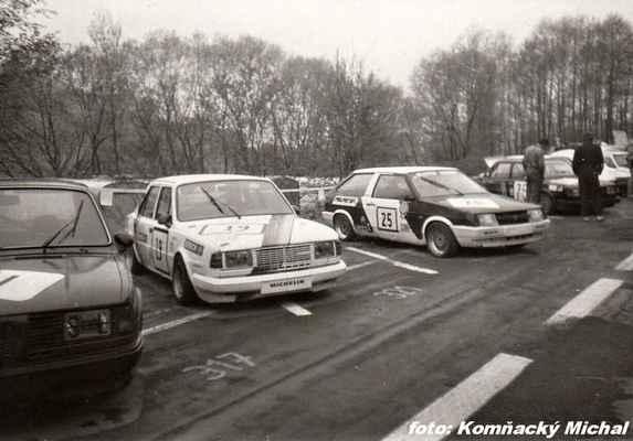 (19) SERBOUSEK Jaroslav - (soutěžící) Serbousek Jaroslav - Škoda 130 L (25) HEŘMÁNEK Jan - JH Motorsport - Lada Samara