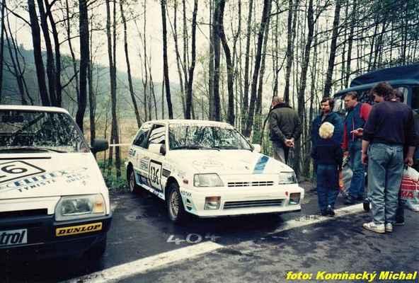 (16) KOPECKÝ Josef - Elitex Týniště n.Orlicí - Škoda 136 (136) MATĚJOVSKÝ Stanislav - (soutěžící) Matějovský Stanislav - Suzuki SWIFT GTi