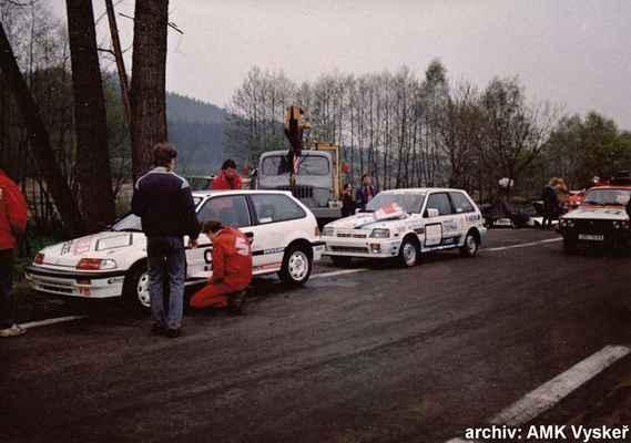 zleva:(39) MALÝ Jaromír - (soutěžící) Malý Jaromír - Honda Civic i (136) MATĚJOVSKÝ Stanislav - (soutěžící) Matějovský Stanislav - Suzuki SWIFT GTi