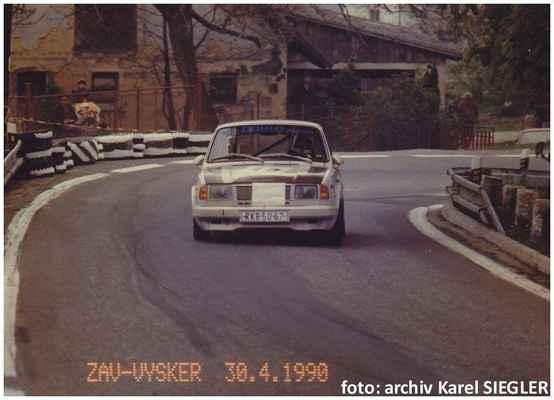(40) SIEGLER Karel / AGRO team JZD Bolehošť / Škoda 120 LS