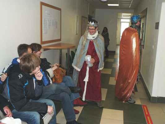 Přispívali i náhodní návštěvníci.