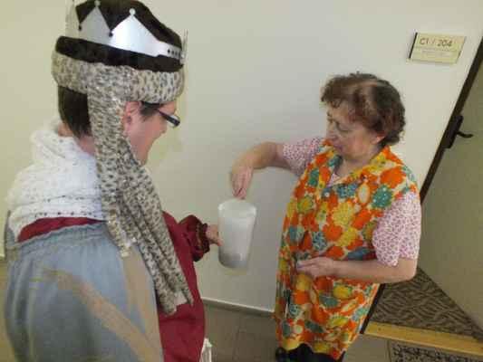 Kasička se plnila dobrovolnými dary potřebným. Oblastní charita Blansko může díky štědrosti lidí rozšířit projekty.