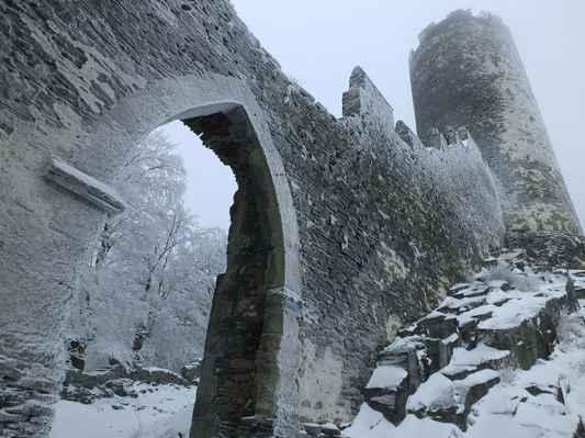 třetí hradní brána s čertovou věží...