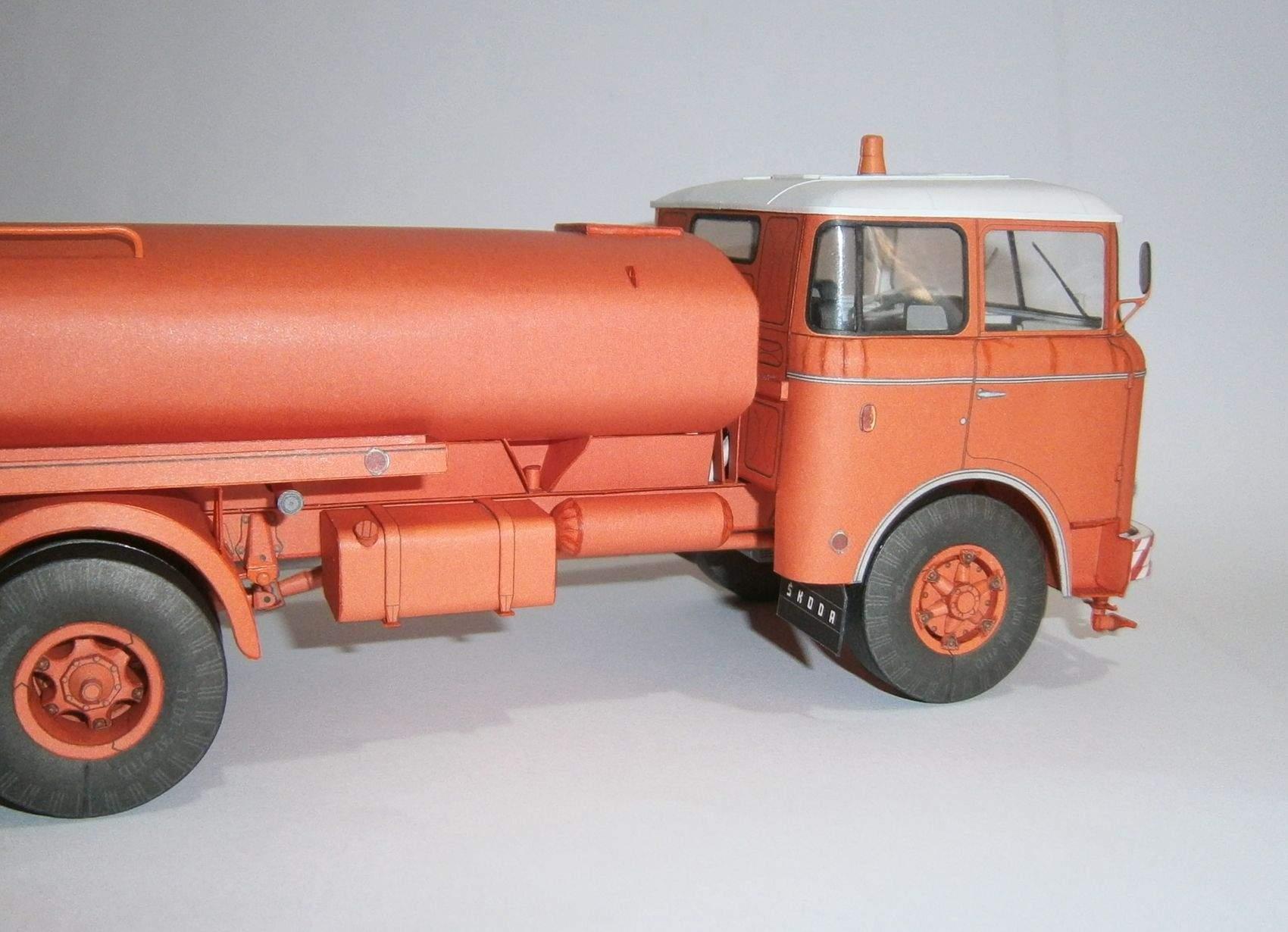 Š 706 RTH AKV-8