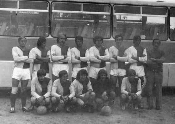 1977x-muži - Hofrajtr, Levý, Štěpán, Kreuzman, Vacek, Čehc, Táflík, Beníšek Štěpán, O.Fremr, Doležal, Krýsl, L.Laštovka