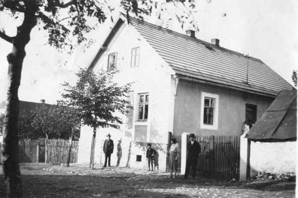 1934 ? - Losiná č.p. 60 na Bambousku u Baťků - cca 1934 : Losiná č.p. 60 - u Baťků