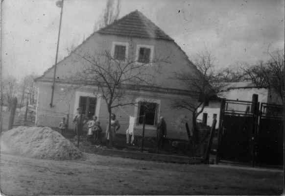 Losiná 56 u Fajfrlíků před rekonstrukcí - Losiná 56 u Fajfrlíků před rekonstrukcí někdy v 60.letech