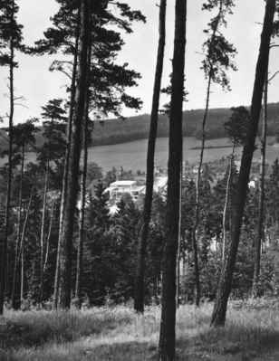1974 - z Vlnařovic vršku - 1974 stavba KD z Vlnařojc vršku