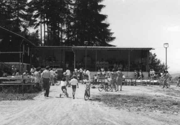 1979 - 1 .máj - 1979 - oslava 1.máje na Sokole