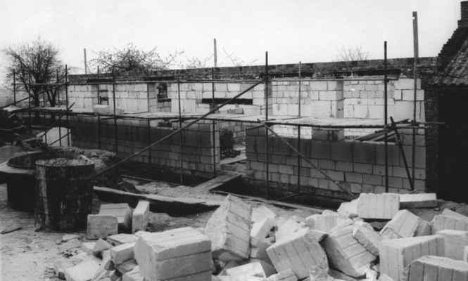 1987 - stavba na Sokole - 1987 - stavba přísálí na Sokole
