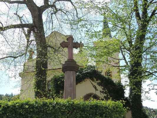 Areál u sv. Martina je odpočinková zóna, která vznikla z bývalého hřbitova kolem odsvěceného kostela sv. Martina. Je zde malý park s lapidáriem a na mě osobně působil celý areál velmi klidným a příjemným dojmem.