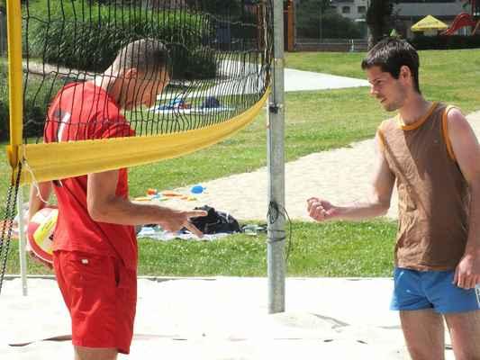 Ukázky z utkání Červenka Beach Open 11. července 2013. Soutěží dvojice mužů. Losování před zápasem.